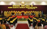 Wisuda Diploma III ASMI Santa Maria